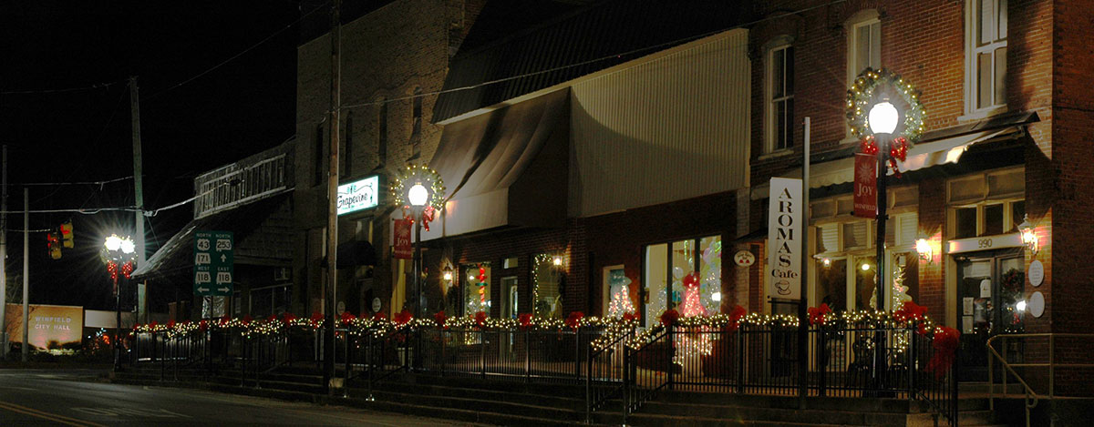 Holidays Downtown Winfield